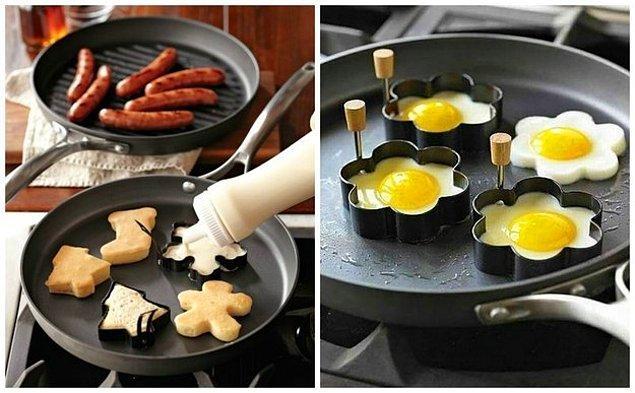 2. Kek kalıplarını yumurta ve pancake yapmak için kullanabilirsiniz.