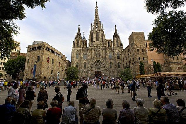 5. Barselona Katedrali