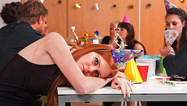 3. İş arkadaşlarınızla yaptığınız sosyal aktivitelerde eğlenmek yerine iyiden iyiye bunalmaya başladıysanız,