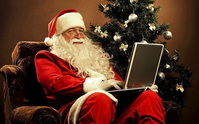 """23. Her yıl Kanada """"Noel Baba, Kuzey Kutbu, HOH OHO"""" adresine yaklaşık bir milyon mektup almaktadır. Kanada bu mektupların hepsine cevap vermektedir."""