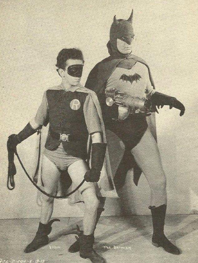 İlk Batman filmi 1943 yılında çekilirken, Superman 1948'de seyirciye sunuldu.