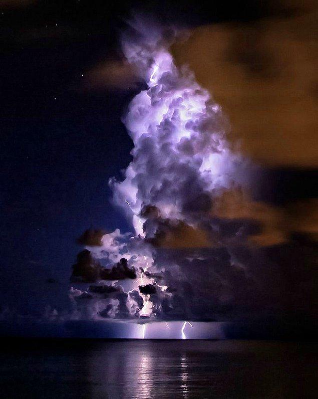 16. Yaklaşan sert bir fırtınanın fotoğrafı.