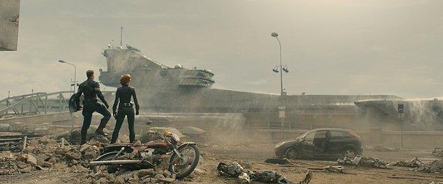 Evet, Avengers'taki helicarrier'ın yıkıntıları.