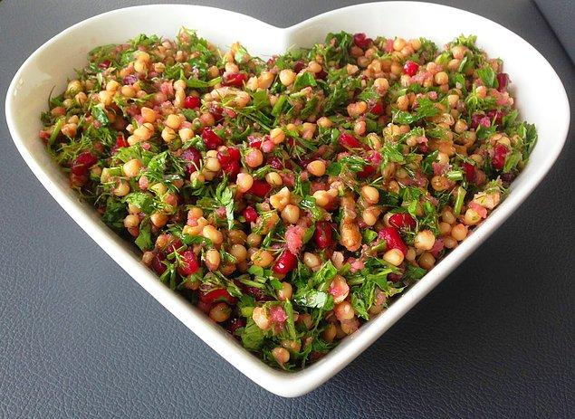 6. Narlı Buğday Salata