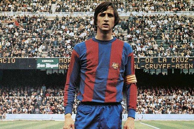 8. 1973 Ağustosunda rekor ücretle Barcelona'ya transfer oldu.