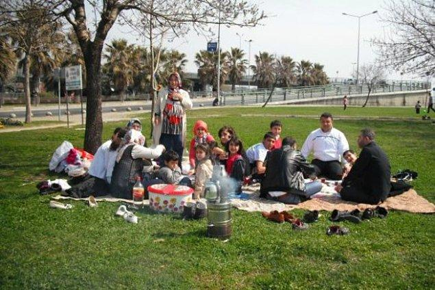 8. İstanbullular bugün yazdan kalma bir günün tadını çıkardı
