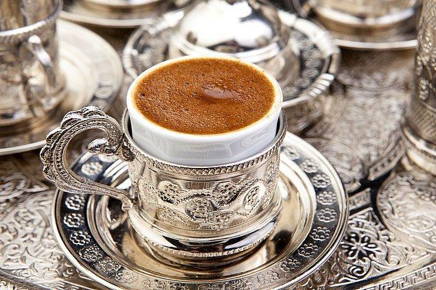 12. Bol Köpüklü Dibek Kahvesi