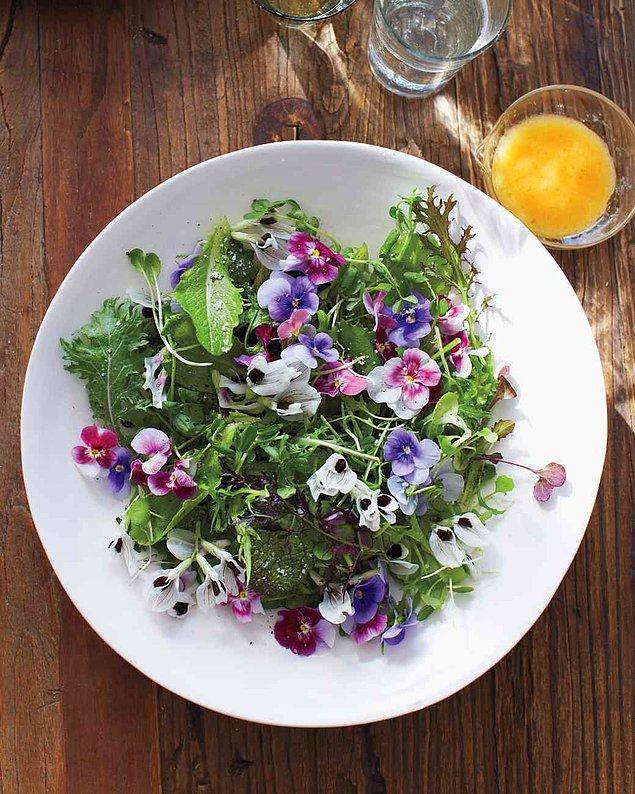 11. Bir Masum Mor Menekşe Salatası