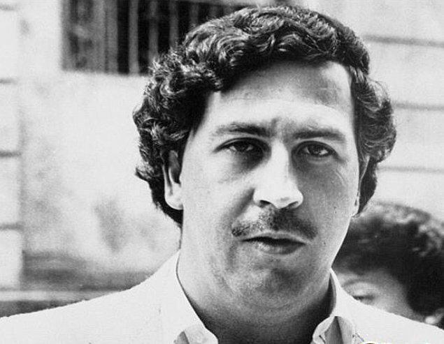 3. Pablo Escobar, bir seferinde üşüyen kızını ısıtmak için 2 milyon doları yakmıştı.