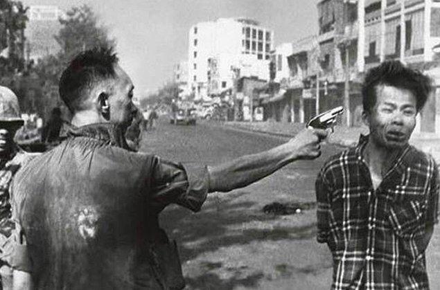 13. Vietnam savaşına ait bu ünlü fotoğraftaki infazcı Nguyen Ngoc Loan, savaştan sonra Virginia'da bir pizzacı zinciri açtı.
