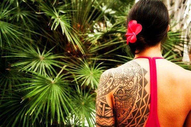 Zeki ve karizmatiksin: Tribal dövme!