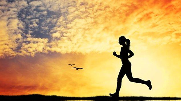 7. Hareketsiz bir hayat tarzı sürüp egzersizden uzak kalmak.