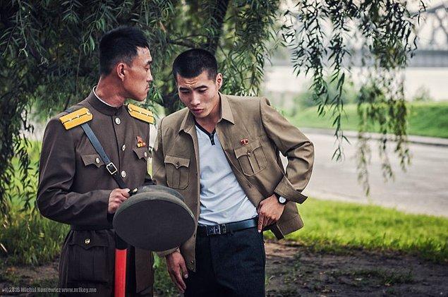1. Askeri otorite, Pyongyang şehrinin her yerinde mevcut.