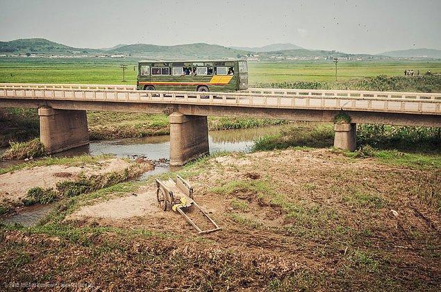 8. Kuzey Kore vatandaşı olsanız bile, şehirlerarası yolculuklar için izin almanız gerekiyor.
