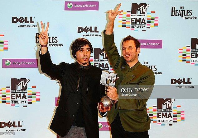 6. 2009 yılında da bu ödülü kazanan Manga yani Türkler oldu.