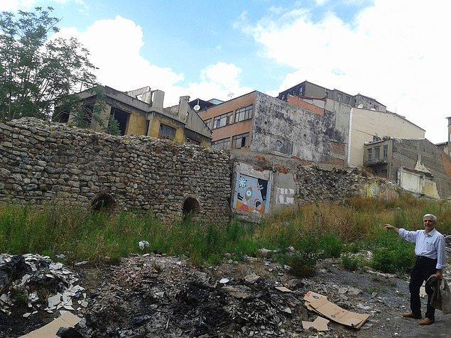 'Yöneticiler turizm nutukları atıyor ancak tarihi yarımada ve Galata bölgesindeki eserlerimize sahip çıkan yok'