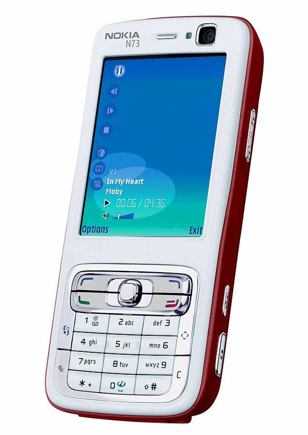 13. Nokia, 10 yıl önce N73'ü piyasaya sürdüğünde altın çağını yaşıyordu, şimdi durumu malum. 😔