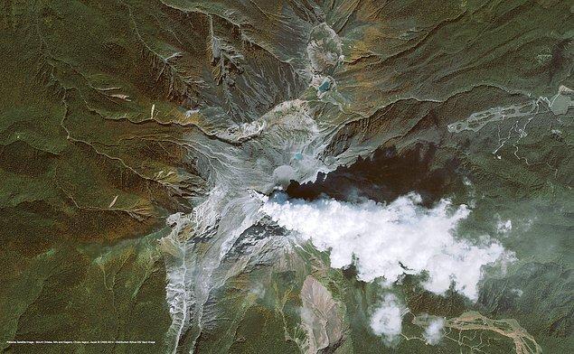 10. Japonya'da bulunan Ontake Yanardağı 2014 yılının Eylül ayında patlamıştı.