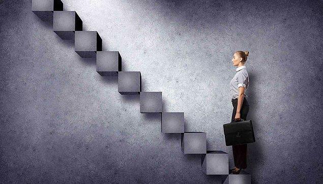 3. Yani hiyerarşik bir oluşumdaki her bir kişi, eninde sonunda artık yetemediği bir seviyede çalışmaya başlar.