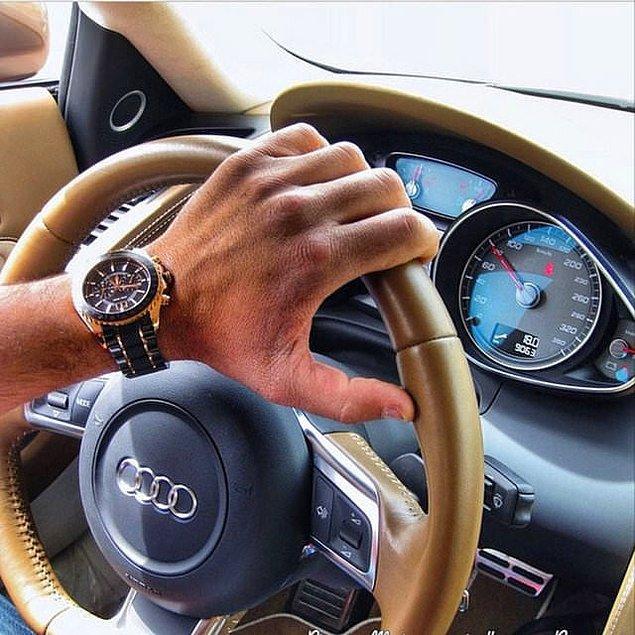 2. Saatini ve arabasını gözümüzün içine sokmak için yanıp tutuşur. Bunları icat eden adamlar bile zamanında bu kadar hava atmamıştır.