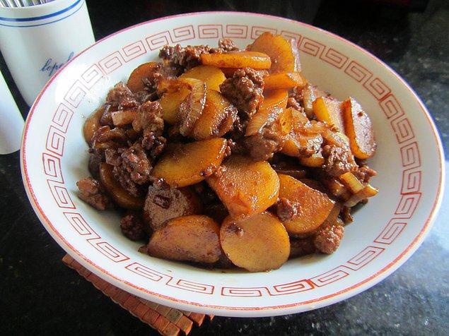 1. Patates+Kıyma+Soğan+Salça+Maydonoz