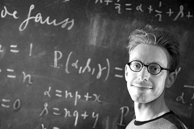 - Daniel Tammet ise tam bir matematik dehası.