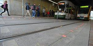 Almanya'da Telefondan Başını Kaldıramayanlara Özel Trafik Işıkları