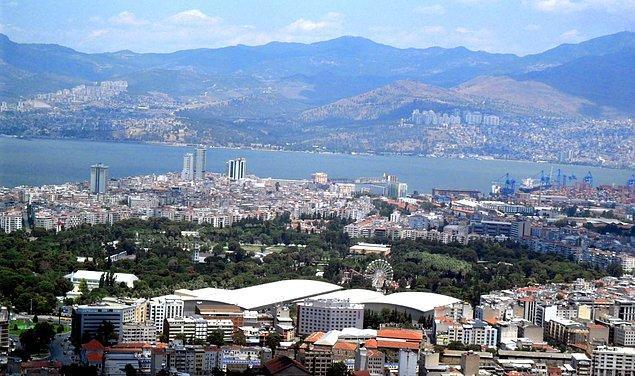 Yangın alanında bugün İzmir Enternasyonal Fuarı bulunmaktadır.