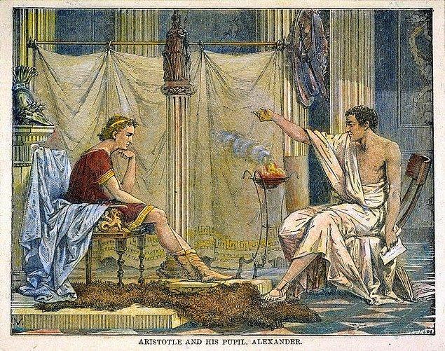 """19. Aristo'nun, İskender'i """"Görmezsen eksik kalırsın!"""" diyerek uyardığı bir şehirdir İzmir."""