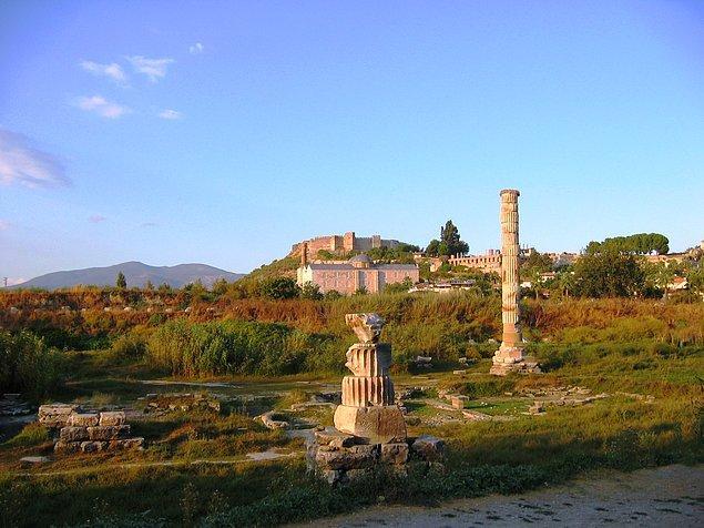 Artemis Tapınağı M.Ö. 21 Temmuz 356'da adını ölümsüzleştirmek isteyen Herostratus adlı bir Yunan tarafından yakıldı. 😔