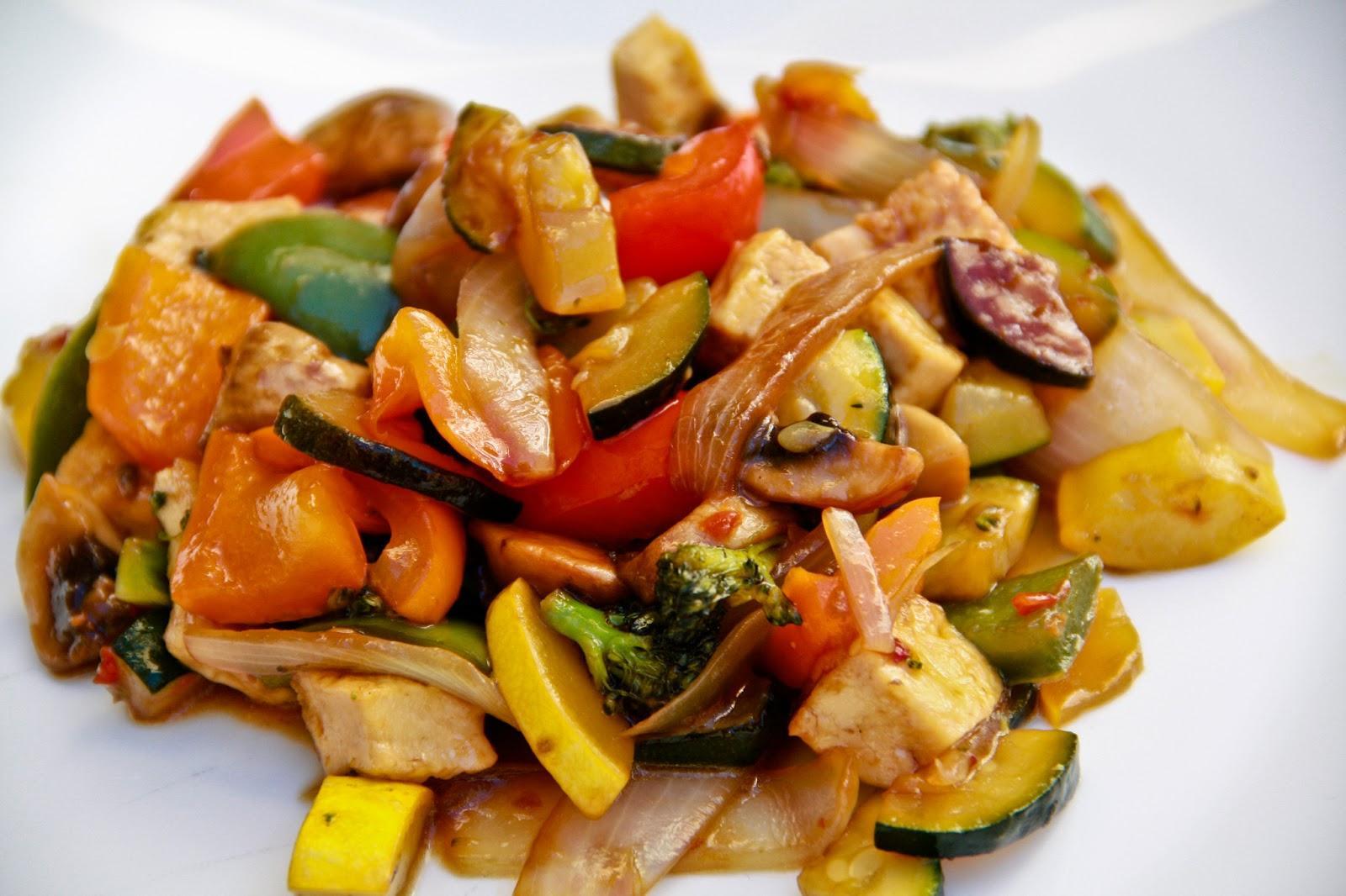 Tofulu ve sebzeli tavuk tarifi