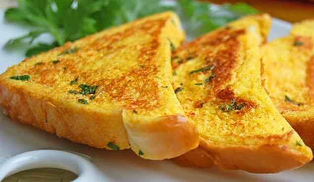 1. Yumurtalı Yoğurtlu Ekmek