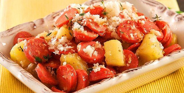 2. Sosisli Patates Tava