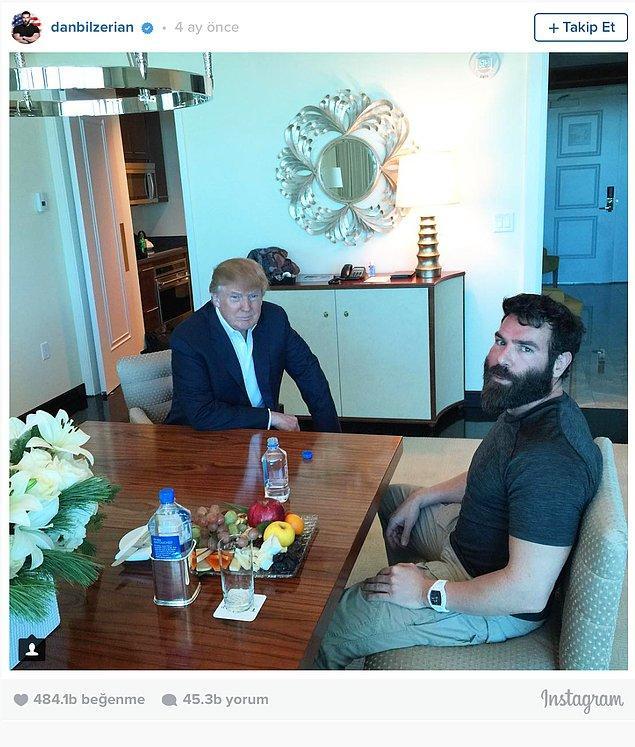 Hiç beklenmedik toplantıralara katılıyor. Daha iyi nasıl Amerikalı olunur belki de onu tartışıyorlar.