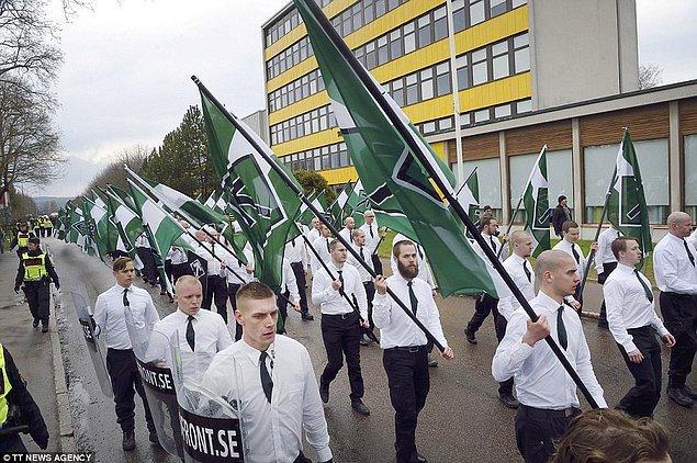 Normalde güçlü bir sol yönelimi olan ve 1 Mayıs İşçi ve Emekçiler Bayramı'nın coşkuyla kutlandığı Borlänge kentinde son yıllarda aşırı sağa doğru bir oy kayması gözlemlenmekte.