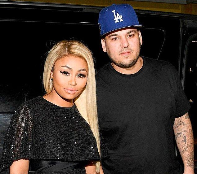 Tyga'nın eski nişanlısı, çocuğunun annesi Blac Chyna'nın Kylie Jenner'ın üvey abisi Rob Kardashian ile nişanlanması ve hamile olduğunu açıklaması da çiftin ilişkisini yıpratan bir faktör oldu.