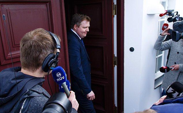 İzlanda Başbakanı istifa etmek zorunda kaldı