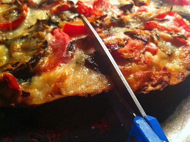 16. Pizzayı bıçakla doğramak en büyük işkencelerden!