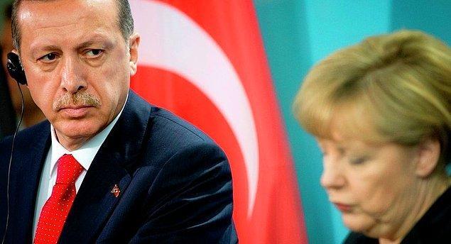 Merkel de vize muafiyeti için kararlaştırılan şartların yerine getirilmesinde ısrar ediyor