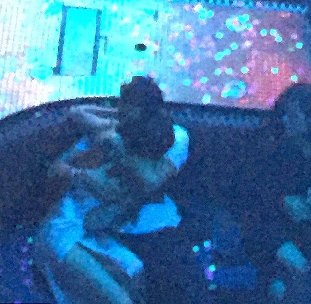 Las Vegas'ta bir gece kulübünde görüntülenen Selena ve Bloom, oldukça samimiydi. Hatta samimiden de öte...