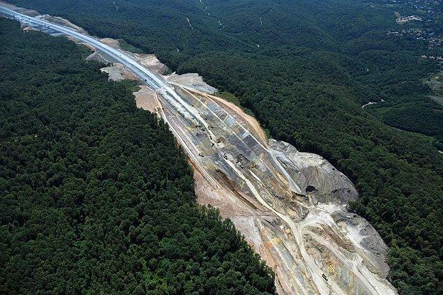 8- Otoyol ve köprülerin yapımı için tarım ve orman arazilerinin yok edilmesi.