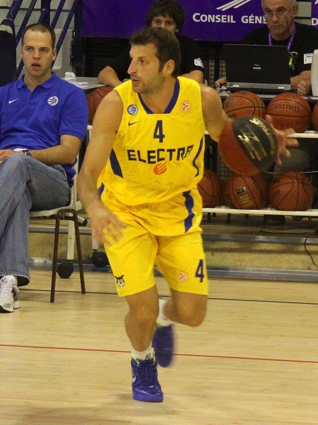 Final Four'da en fazla yer alan oyuncu: Dokuzar kez Theodoros Papaloukas ve Victor Khryapa