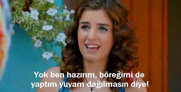 """11. Kiralık Aşk'tan; Ayşen Gürcan'ın, """"Müslüman bir kadın börek yapmasını bilmezse ailesi dağılır."""" sözlerine karşılık:"""