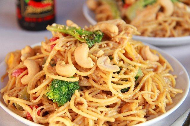 12. Yer Fıstıklı Noodle