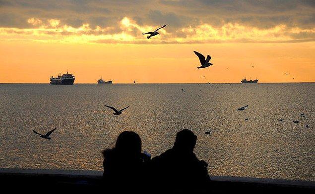 1. Sessiz Gemi - Yahya Kemal Beyatlı