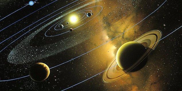 1. Güneş sistemimiz yaklaşık olarak 4,6 milyar yaşındadır ve bilim insanlarınca önümüzdeki 5 milyar yıl boyunca varlığını sürdürecektir.