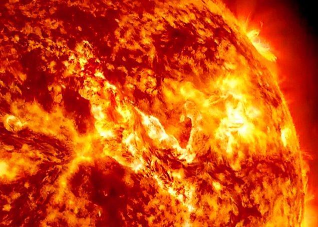 18. Güneş orta büyüklükte bir yıldızdır ve bu tür yıldızlar yaklaşık 10 milyar yıllık bir yaşama sahiptir. Kısacası 5 milyar yaşındaki Güneş, yaşamının yarısını geride bırakmıştır.