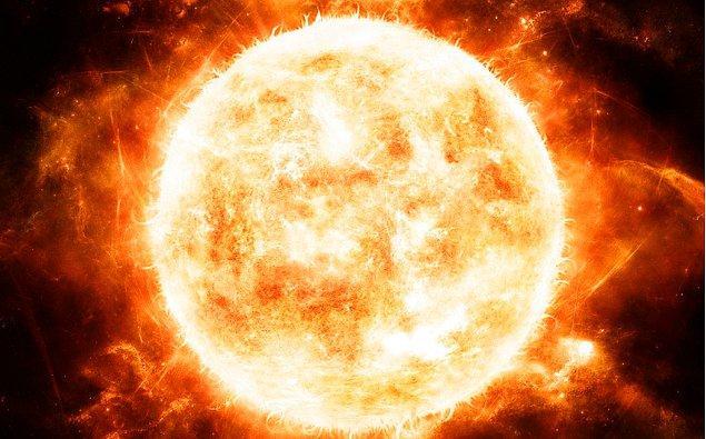 28. Güneş'te de sıcaklık farkları vardır. Üzerinde yer alan koyu noktalar, yüzeyin diğer kısımlarından 2000°C daha soğuktur.