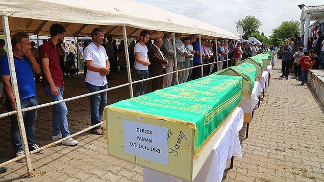 3. Köylüler Yan Yana Toprağa Verildi: 13 Cenaze 60 Kilo...