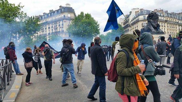 """Hollande: """"Önceki hükümetler vazgeçti diye ben de vazgeçmeyeceğim"""""""